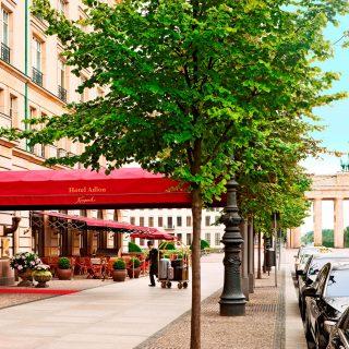 Hotel-Adlon Exterior_Entrance_9093_Original