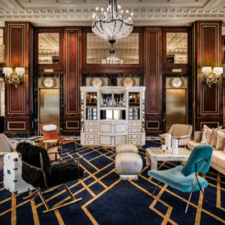 The Blackstone, Autograph Collection_Lobby – Timothy's Hutch